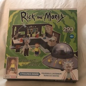 """Rick And Morty """"Spaceship And Garage"""" 293 Pc Set"""